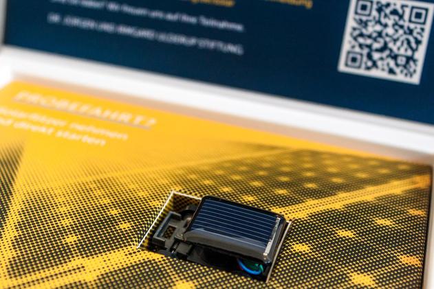 Ein Miniatur-Solarauto sorgt bereits für die erste spielerische Auseinandersetzung der Thematik