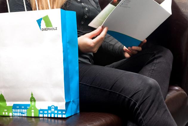 Einkaufstüte mit Stadtbroschüre